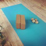 緑と風が通る瞑想ヨガ教室